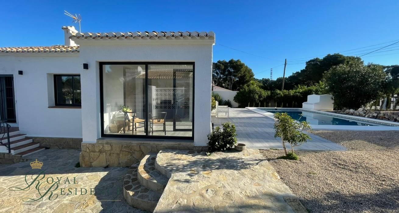 Tastefully Renovated Villa With Pool in Javea