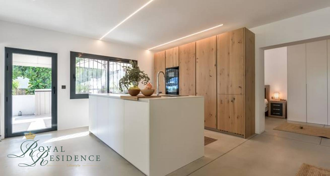 Tastefully renovated villa with sea views in Altea