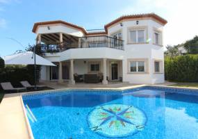 Beautiful villa with sea views in Javea
