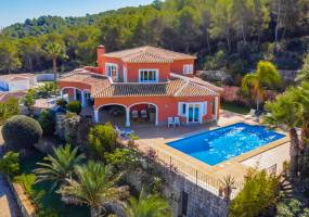 Mediterranean style villa with mountain and sea view in Javea