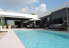 Recently built modern villa in Benissa Costa