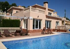Villa with sea views in Calpe
