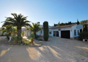 Large private villa in Benissa
