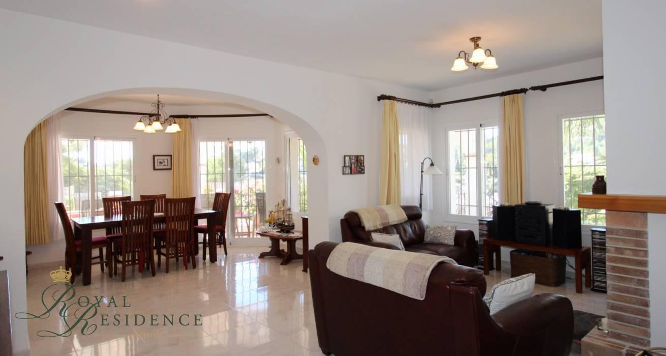 Villa on corner plot in Benissa