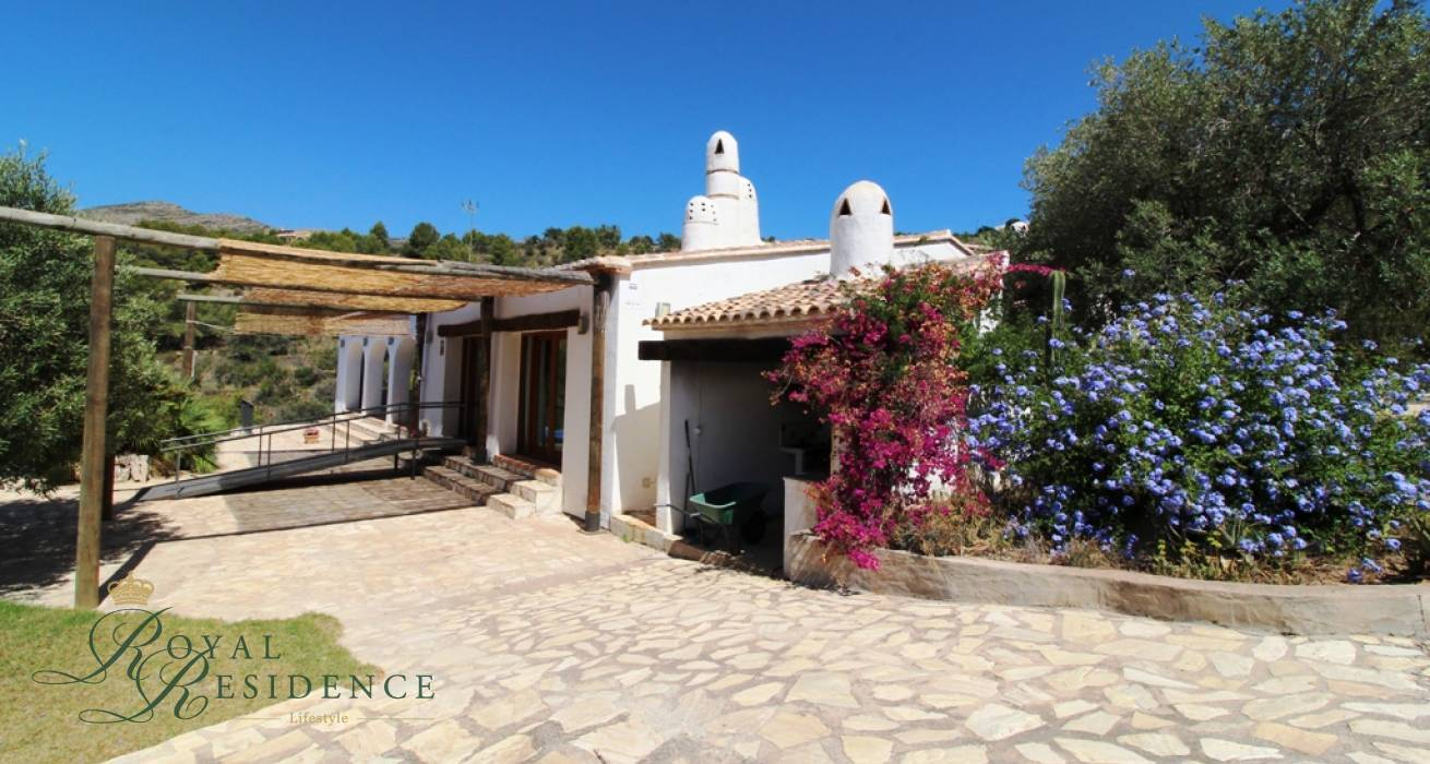 Slaapkamer Country Style : Country style house in benissa u royal residence lifestyle