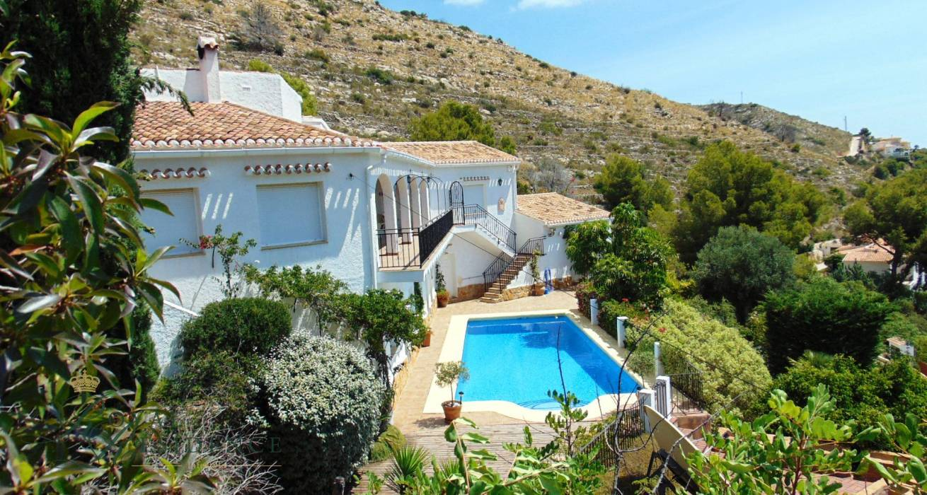Villa with sea views in Javea
