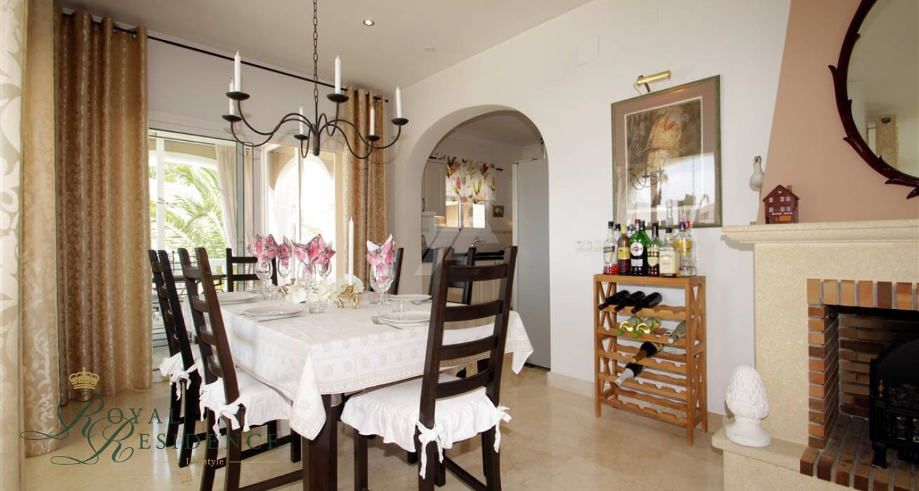 Immaculate villa in Moraira