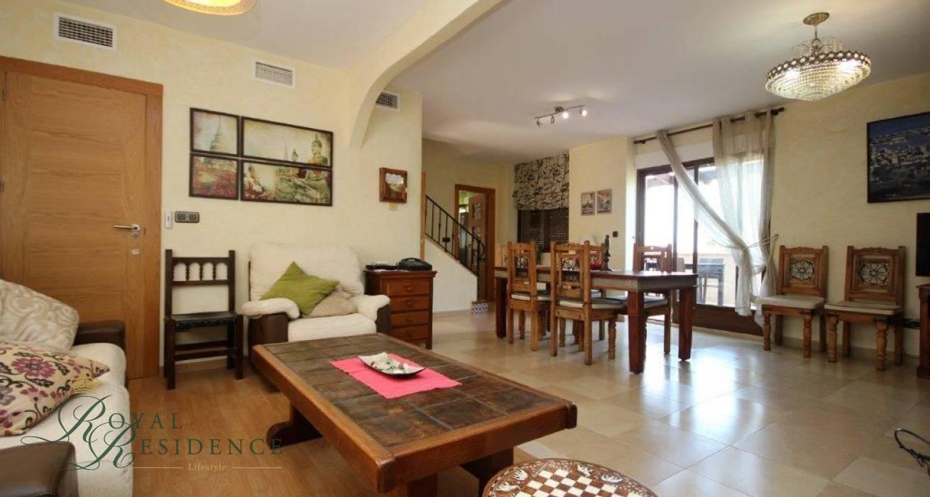 Price reduced traditional style family villa in Altea La Vella