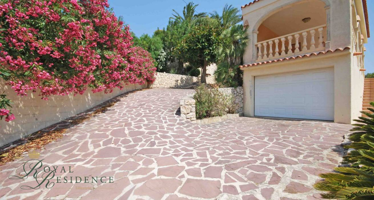 Villa in Benissa, 3 beds. 2 baths.